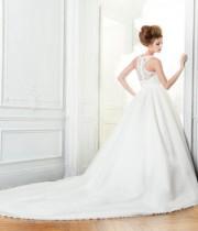 full_robe-etourdissante-feerie-de-pronuptia1_2012