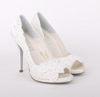 1373995316_2-svadebnaya-obuv